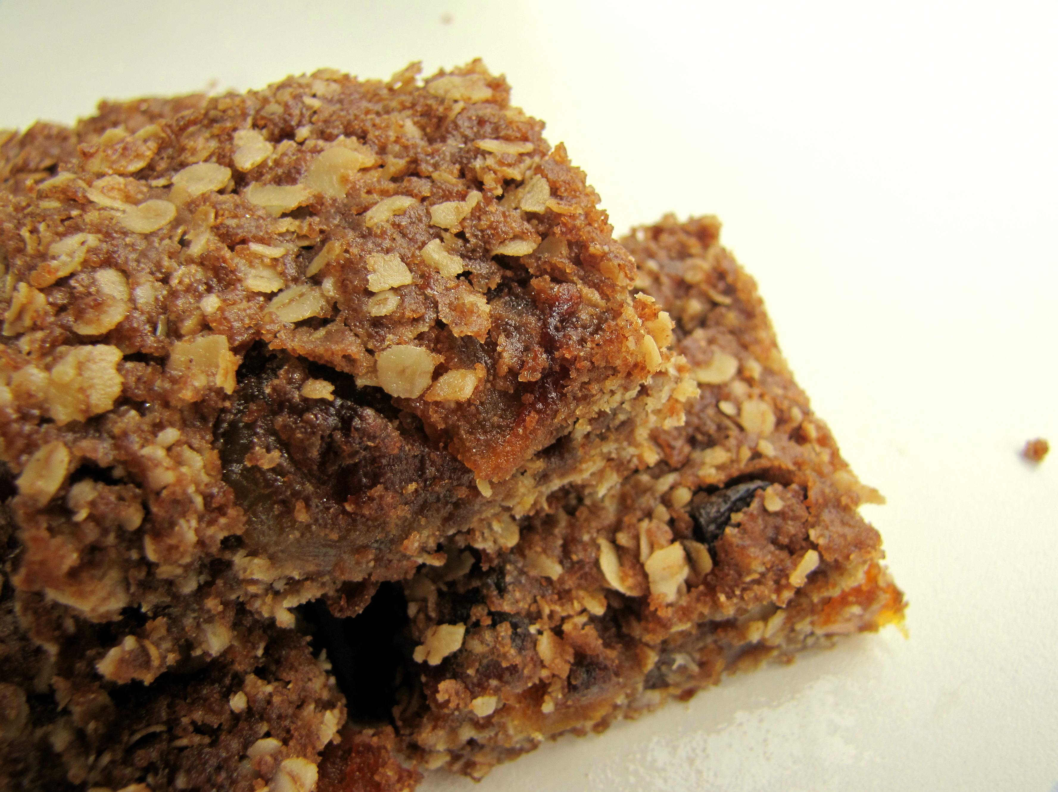 Apricot Oatmeal Bars | Bake-a-tron